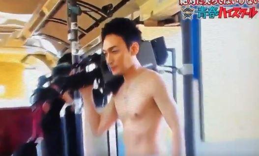 草なぎ剛が村西監督ネタでパン一登場!!ガキ使最高!
