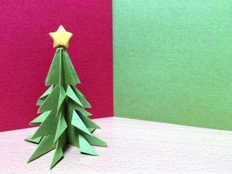 クリスマスの飾りを折り紙で!子どもが笑顔になれる可愛い折り方大公開!