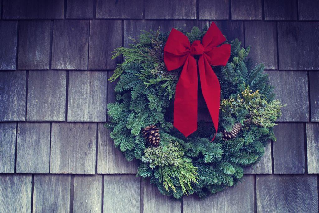 クリスマスの飾りを壁に飾って楽しもう!可愛い飾りを大公開